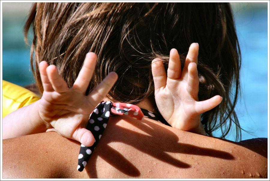 Les petites mains. a